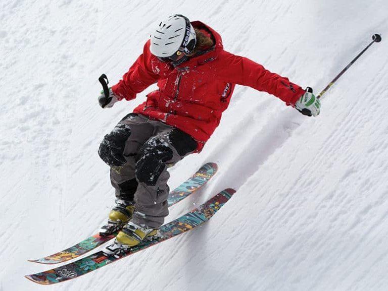 סקי גולשים רק עם קסדה