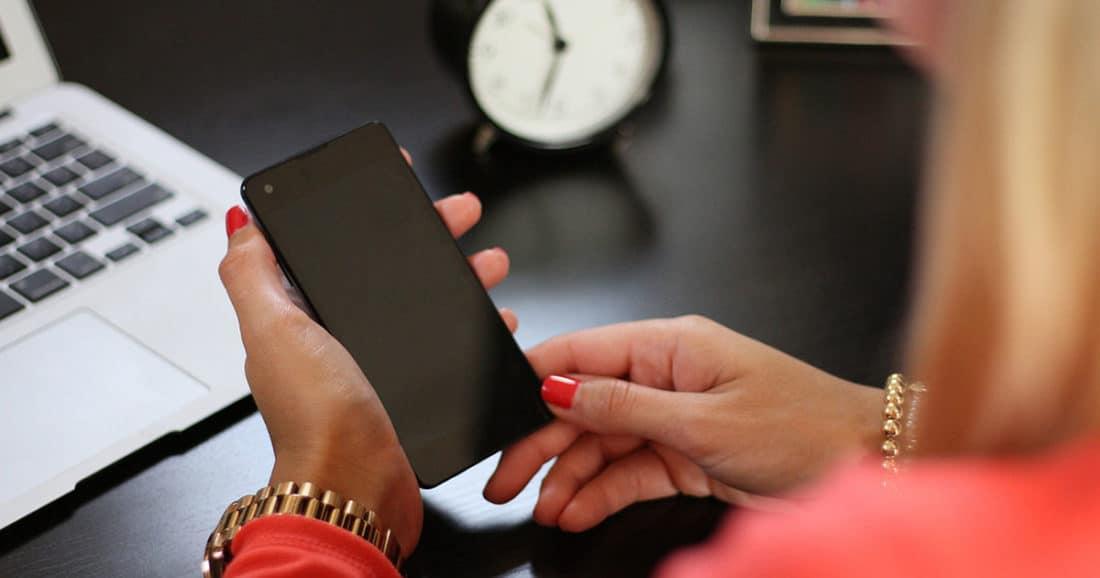 הטלפון החכם גורם לנו להשמין