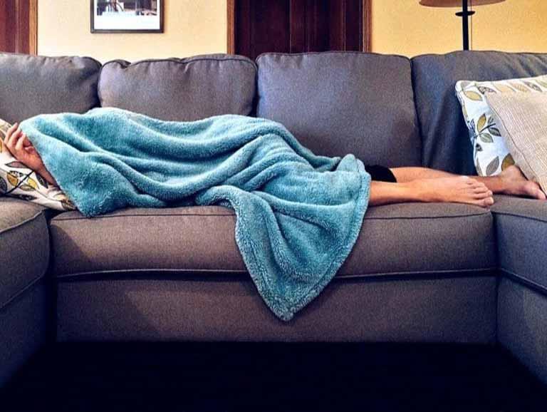כאבי גב תחתון אל תישארו במיטה
