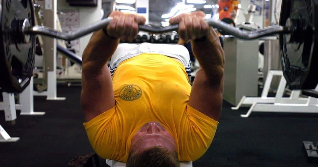 שלבו אימוני כוח לשריפת שומן בטני