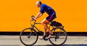 הליכה או רכיבה על אופניים