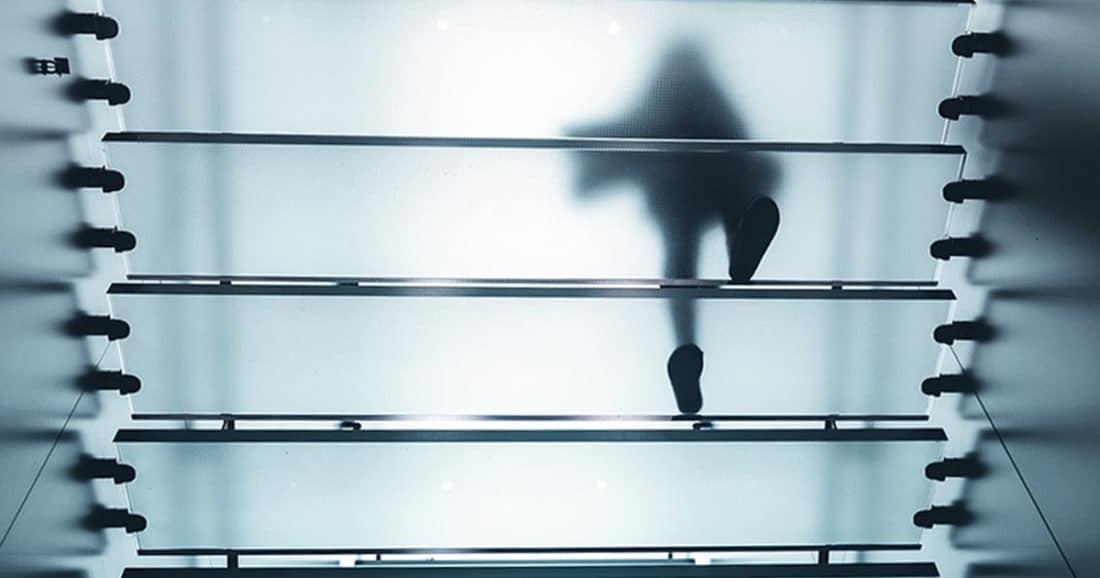 כאבי ברכיים במדרגות