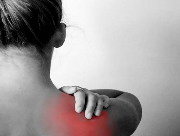 גורמים לכאבי גב עליון