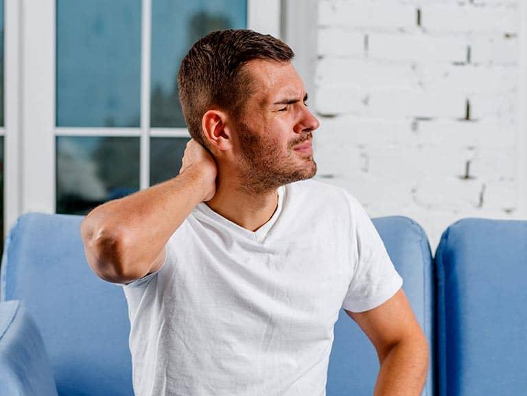 כאבים בצוואר גורמי הסיכון לכך