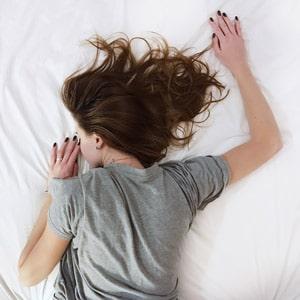 תנוחות שינה וכאבים