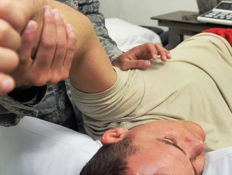 תת פריקת כתף אבחון וטיפול